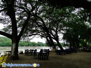 Puerto sobre el río Magdalena.