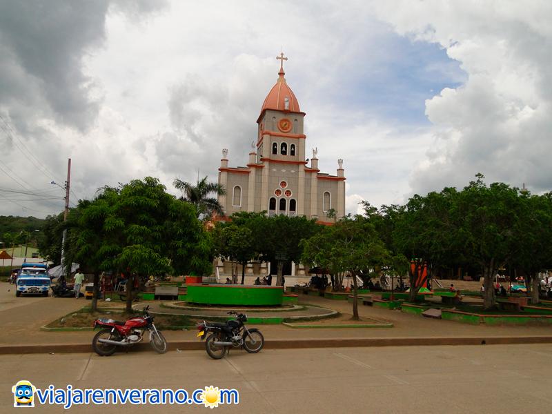 Parque e Iglesia de Ciénaga.