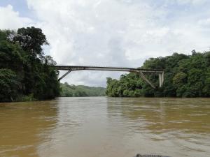 Puente de Angostura sobre río Nechí.