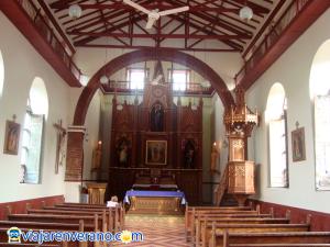 Interior Iglesia de Anzá.