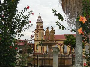 Plaza y Catedral de Vélez.