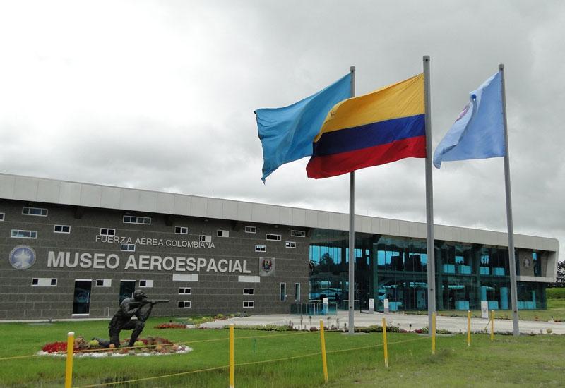 Entrada al Museo AeroEspacial.