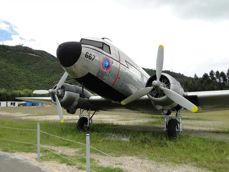Avión C 47.
