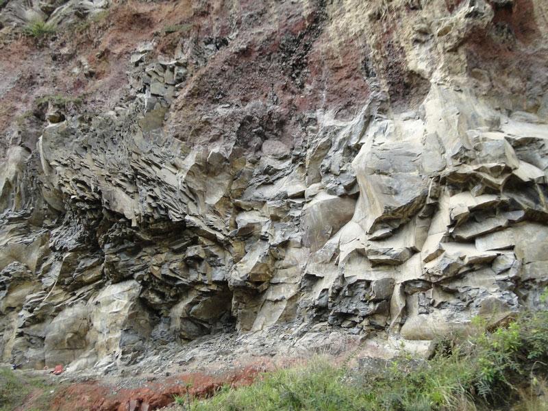Rocas color gris.