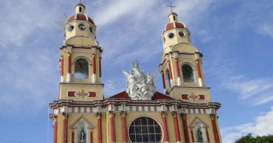 Frontis iglesia.
