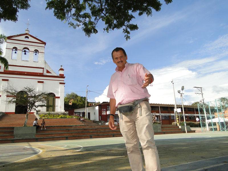 Germán en la plaza.